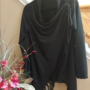 Tops - 🌟HP🌟 NWOT Black tee shirt with tassels
